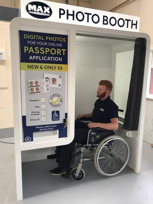 wheelchair friendly photobooths
